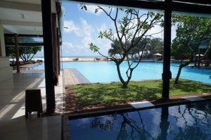 ジェフリー・バワはスリランカの有名な建築家。彼が設計した多くのホテルも予約可能です