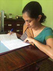 現地のドクター。スリランカはアーユルヴェーダは国が認める医療行為