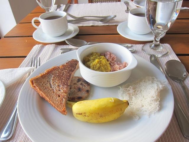 朝食はこんな感じ
